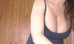 Bigboobskris the most sexy diva live on webcam naked !