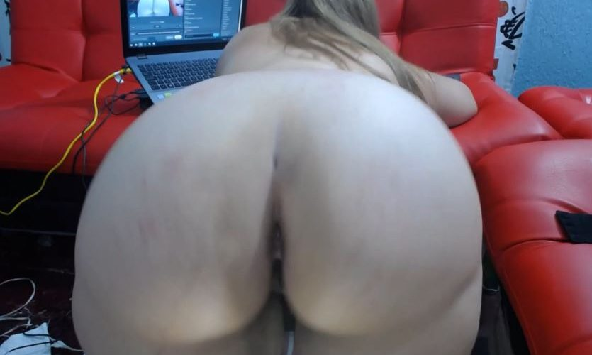 Ashlleymyers horny BBW naked on cam for you! Huge ass latina!