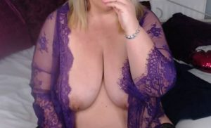 English_Milf sexy mature blonde lady naked on cam and super horny!